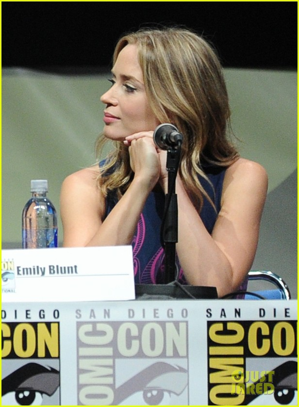 tom cruise emily blunt edge of tomorrow at comic con 142913024