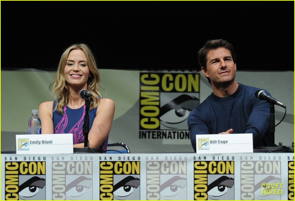 tom cruise emily blunt edge of tomorrow at comic con 172913027