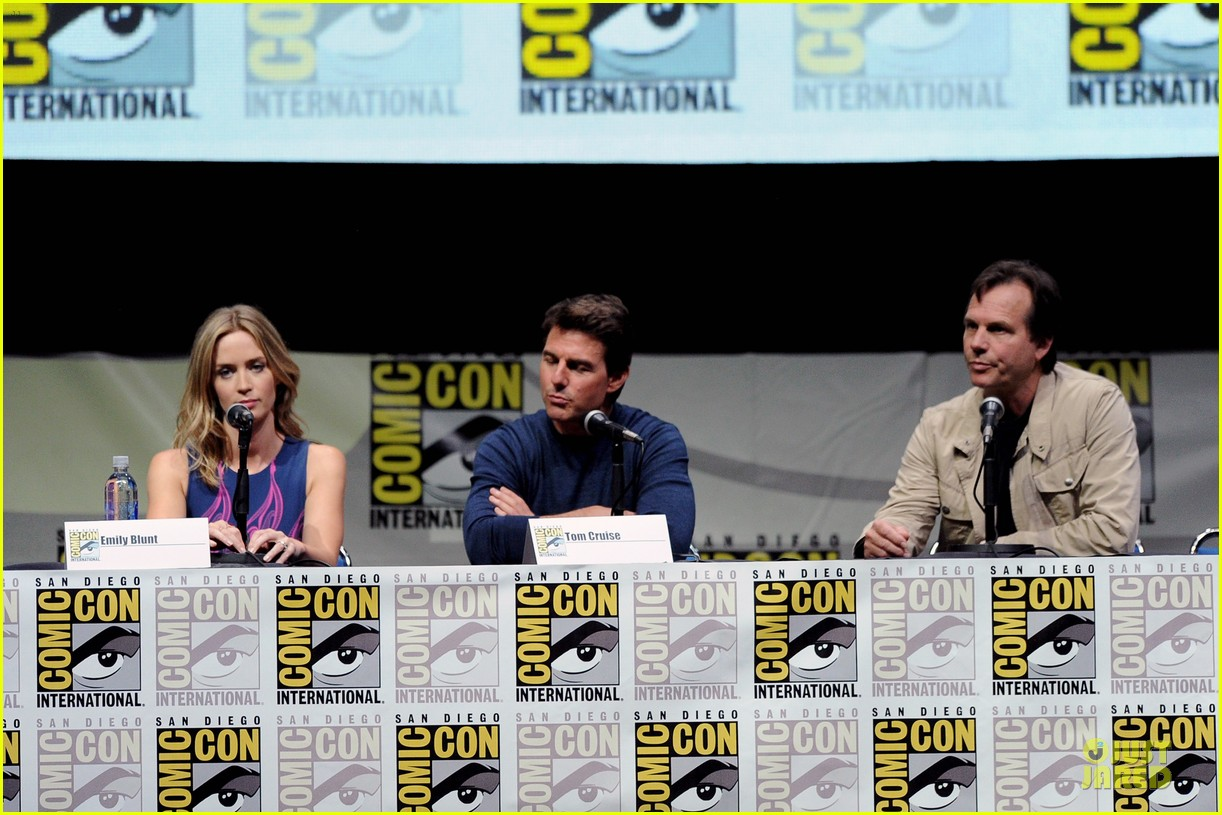 tom cruise emily blunt edge of tomorrow at comic con 182913028