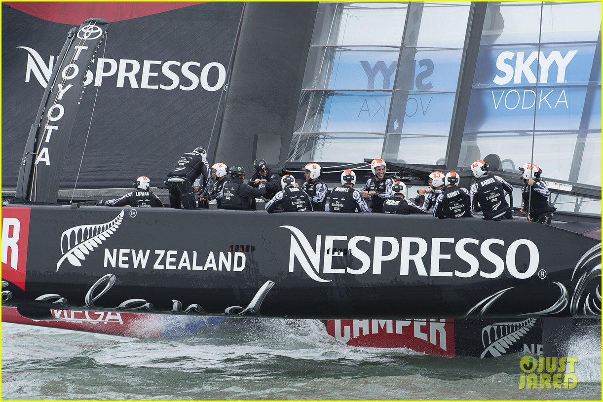 tom cruise connor emirates team new zealand sailing race 172919419