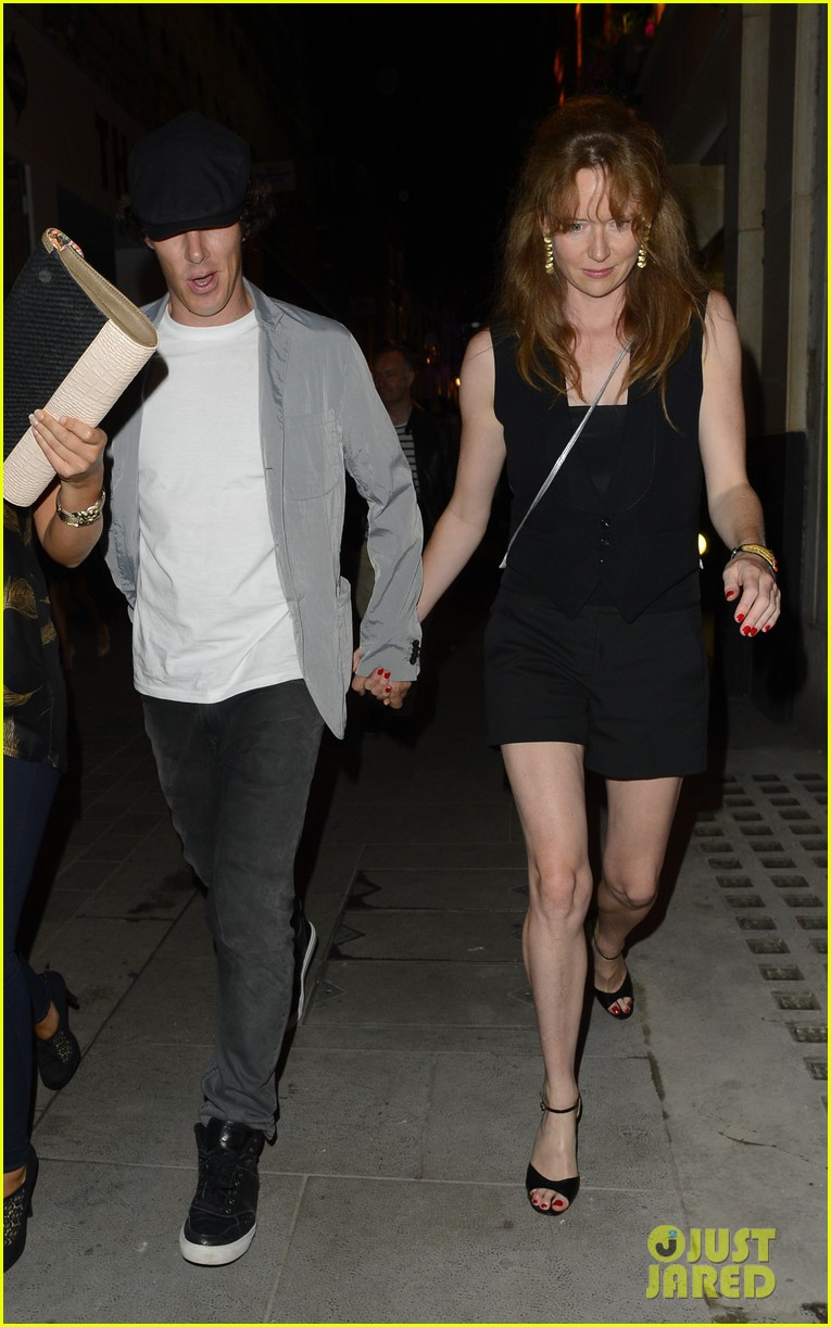 benedict cumberbatch mystery gal hold hands in london 072918438