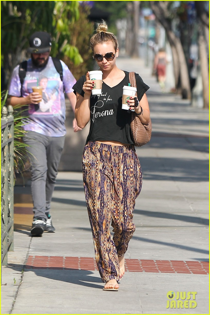 kaley cuoco grabs coffee for two after date with henry cavill 092903972