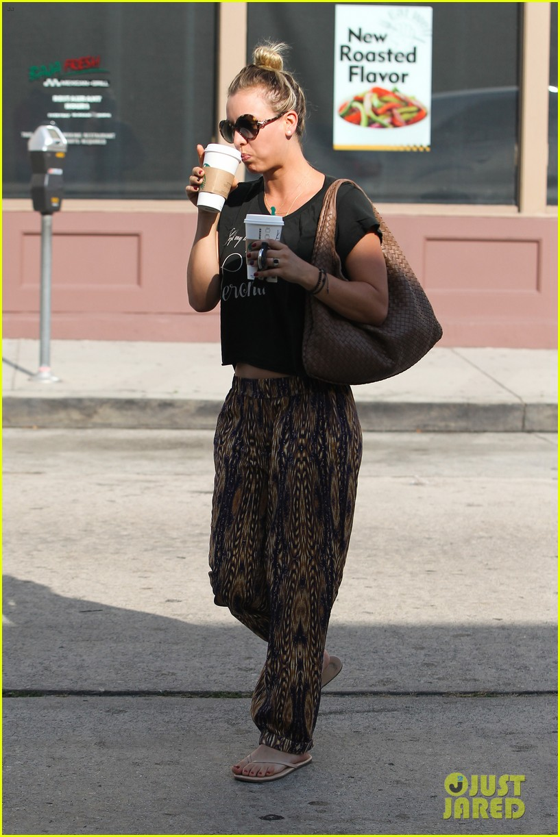 kaley cuoco grabs coffee for two after date with henry cavill 102903973