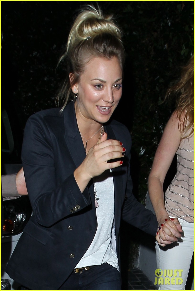 kaley cuoco leaves henry cavill at home for girls night 042907825