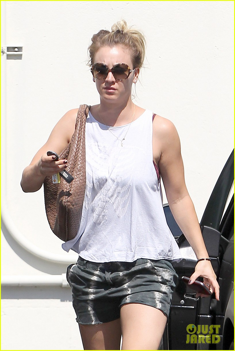 kaley cuoco steps out after henry cavill dating news 032902704