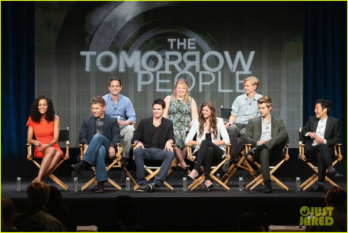 robbie amell joseph morgan thw cw at tca 2013 242920816