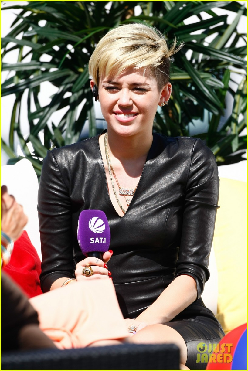 miley cyrus i told justin bieber to take a time out 162915022