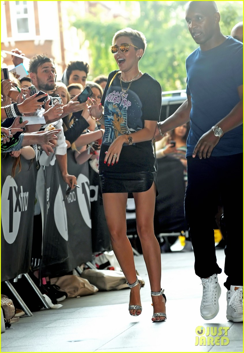 miley cyrus cutting my hair really changed my life 072911424