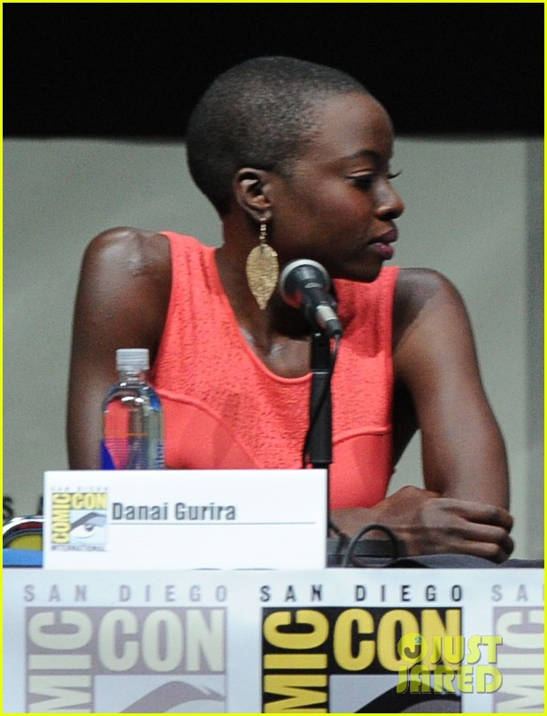 danai gurira tatiana maslany women who kick ass comic con panel 022913860