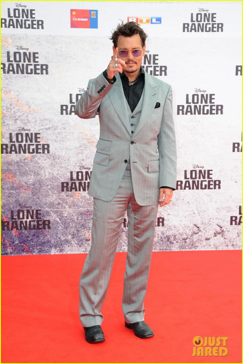 johnny depp armie hammer lone ranger berlin premiere 072912440