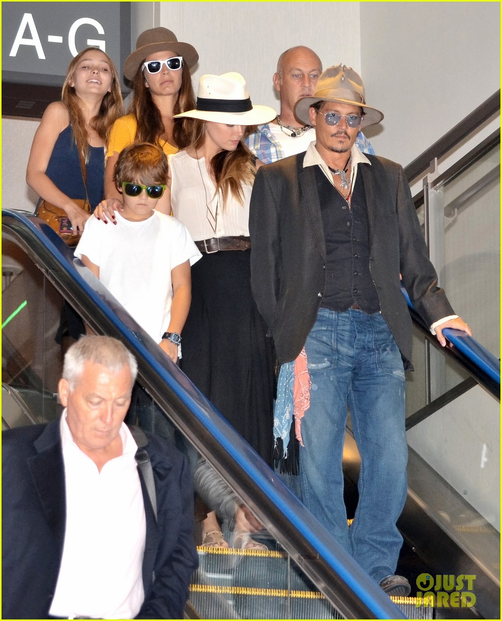 johnny depp amber heard leave japan with his kids 022911458