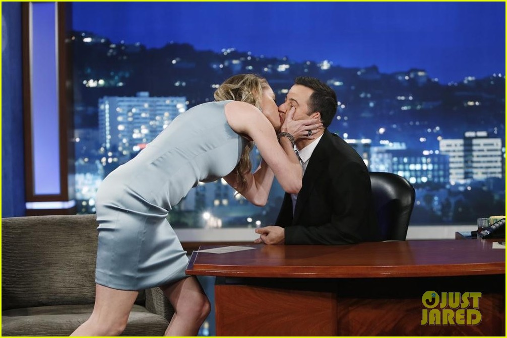 johnny depp kisses jimmy kimmel for talk show appearance video 042902724