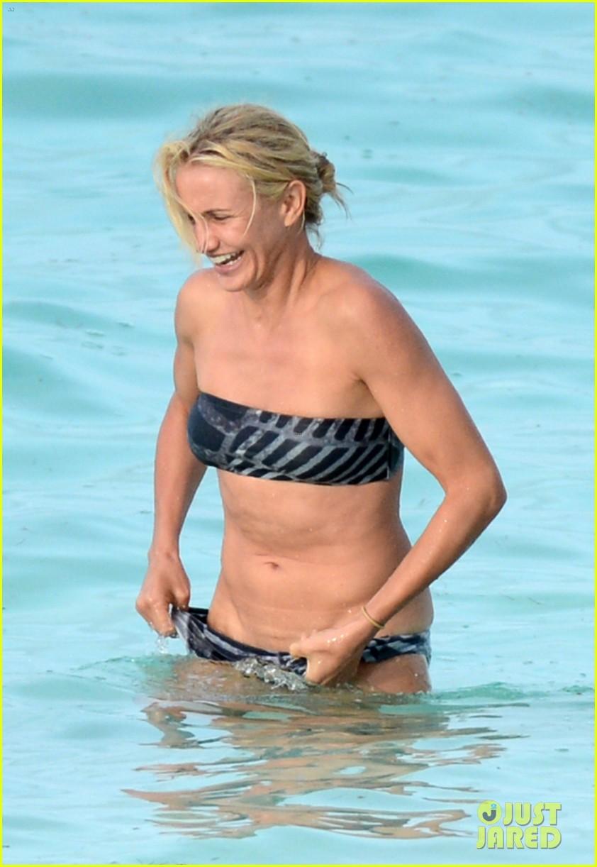 cameron diaz kate upton bikini babes in the bahamas 022914500
