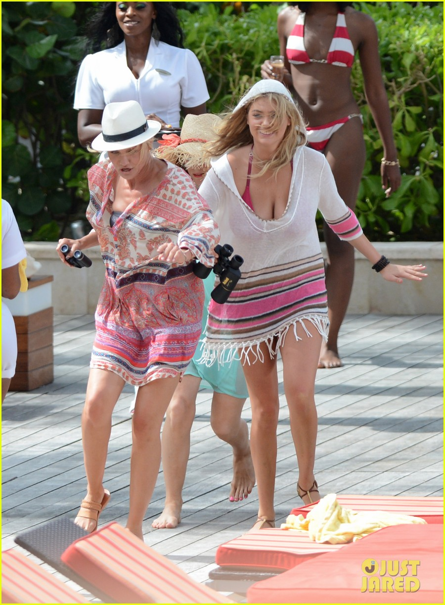 cameron diaz kate upton bikini babes in the bahamas 242914522
