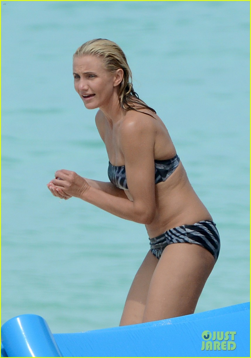 cameron diaz kate upton bikini babes in the bahamas 282914526