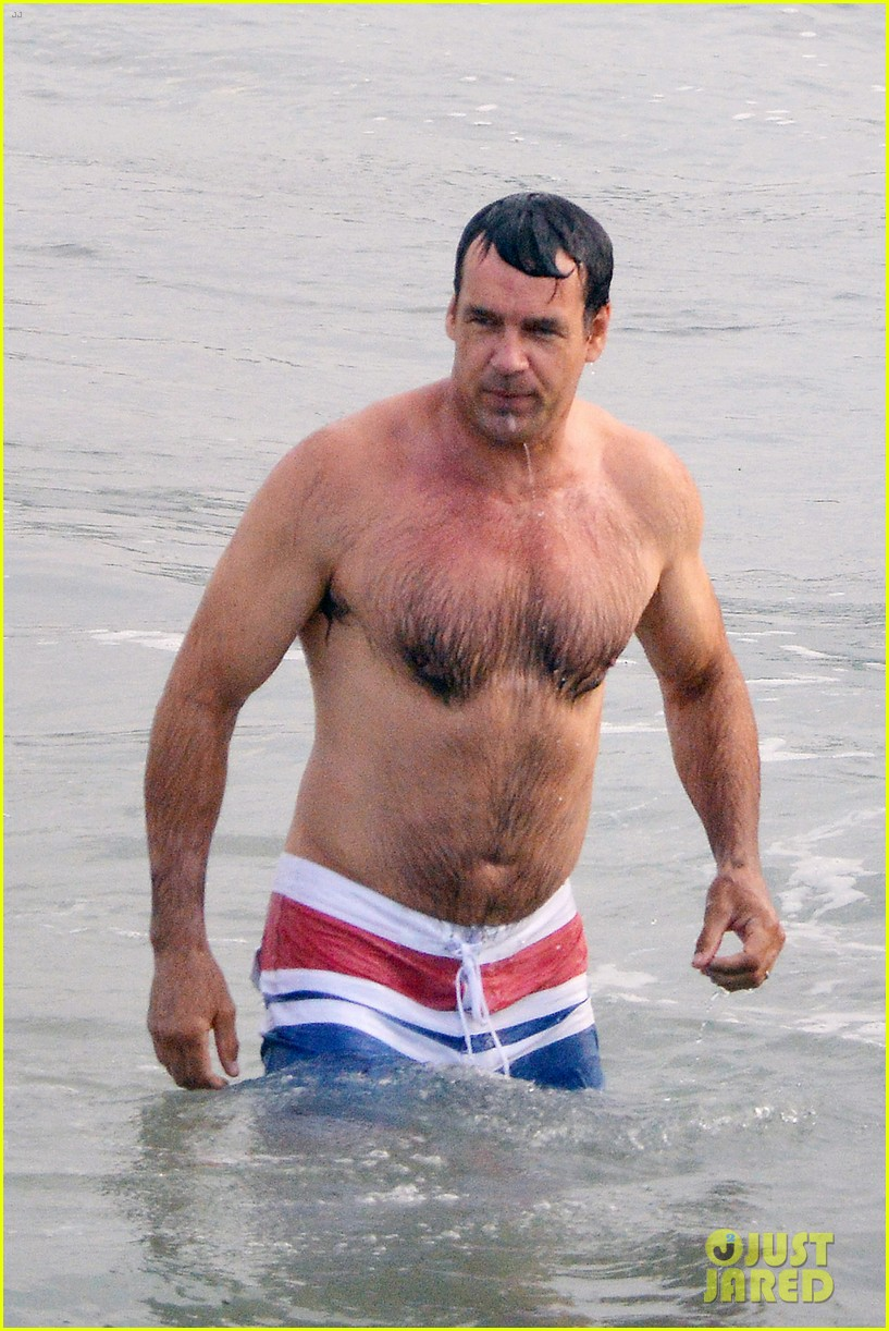 david james elliott shirtless beach day in malibu 02