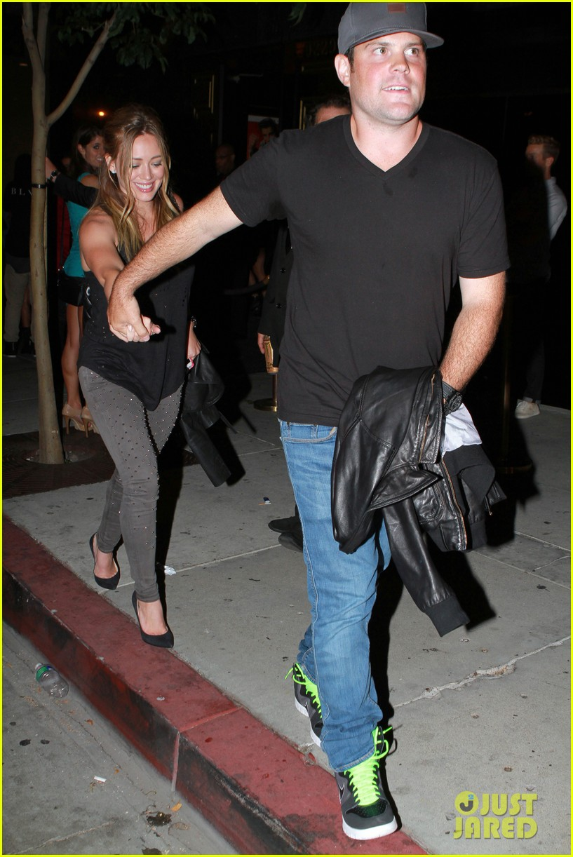 hilary duff bootsy bellows babe with mike comrie 012908859