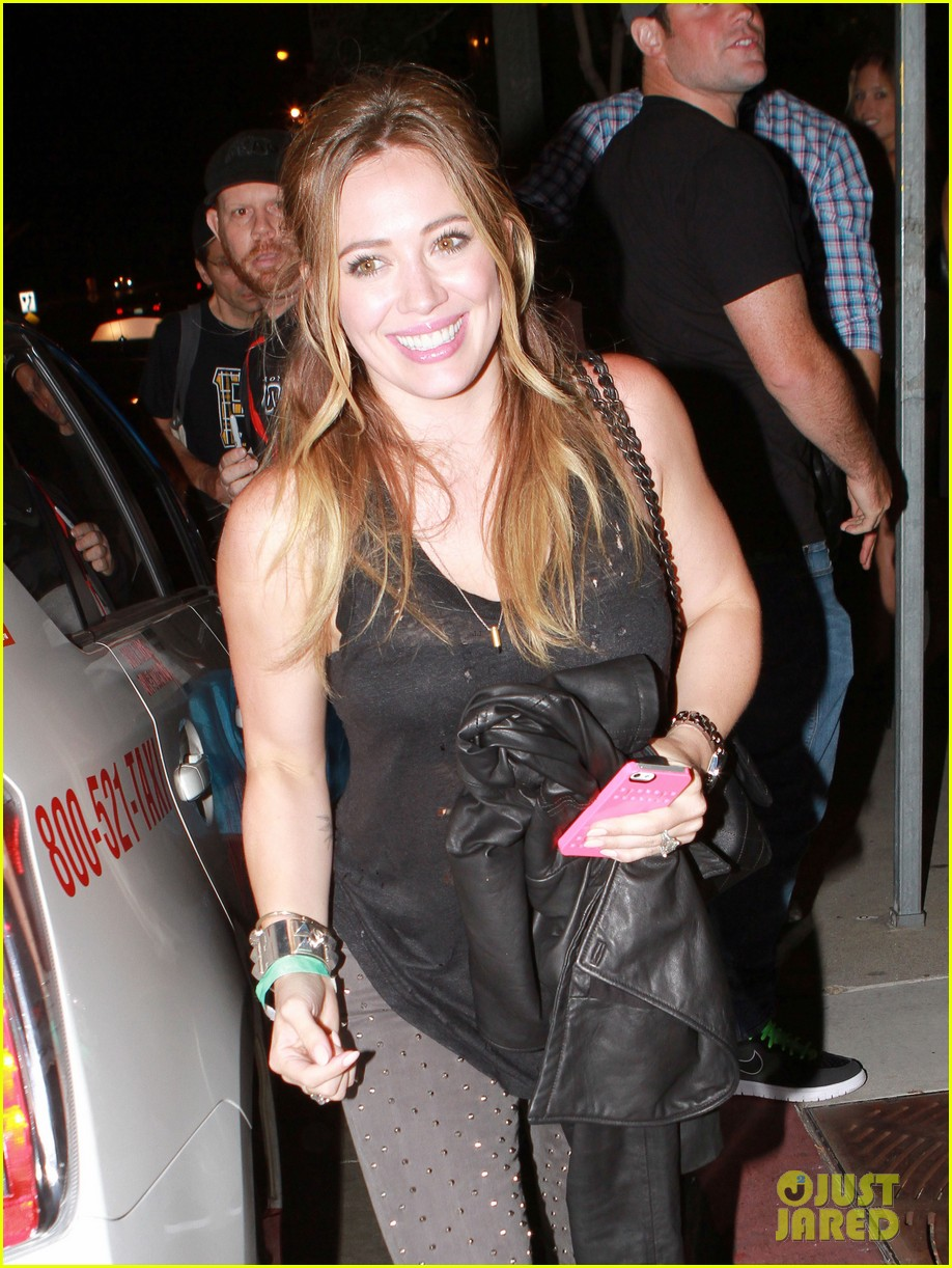 hilary duff bootsy bellows babe with mike comrie 03