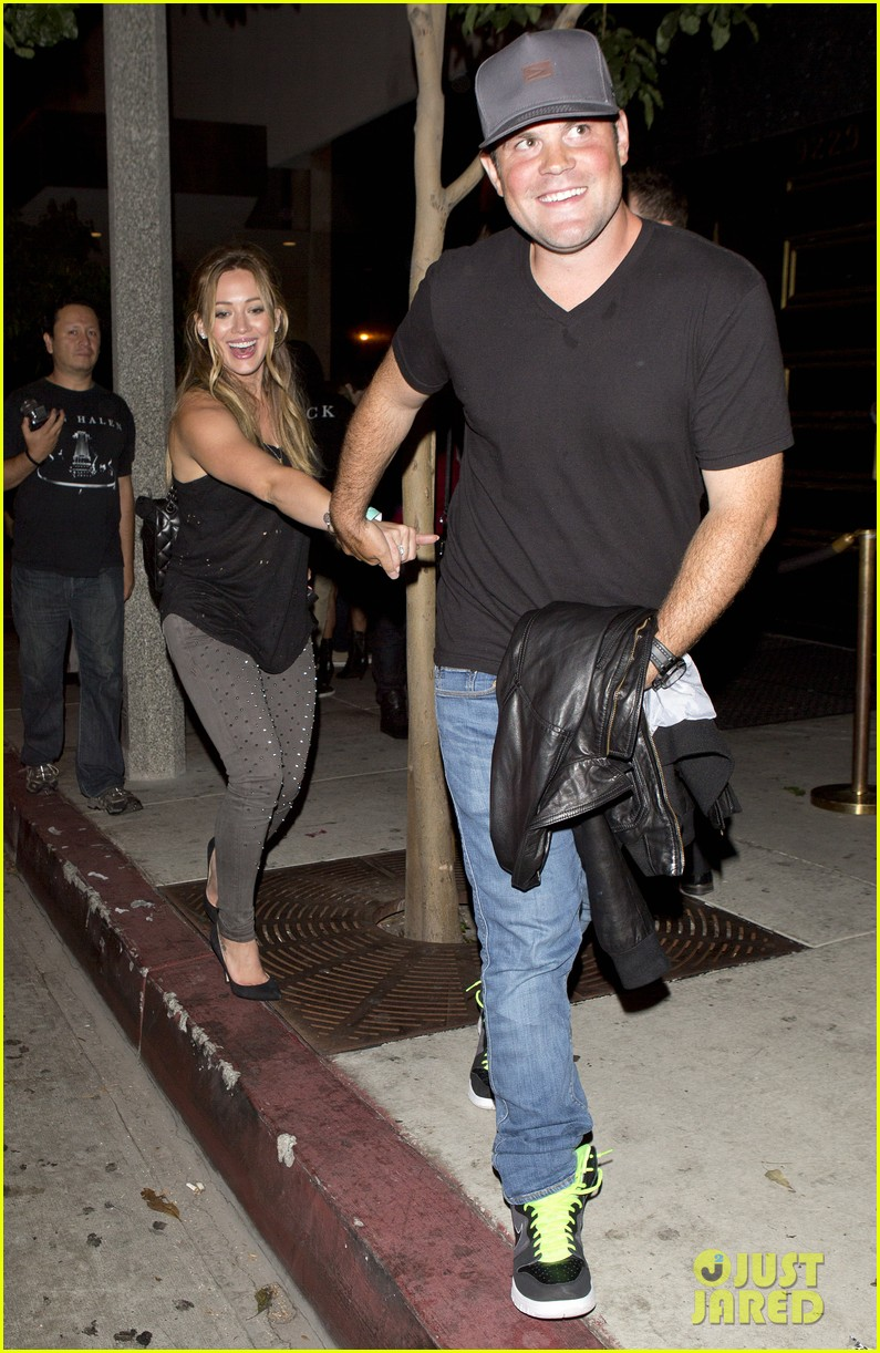 hilary duff bootsy bellows babe with mike comrie 052908863