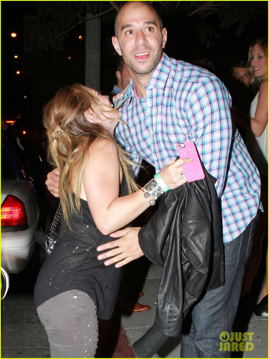 hilary duff bootsy bellows babe with mike comrie 062908864