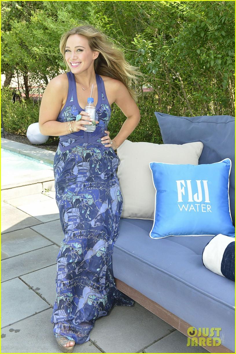 hilary duff fiji water days of summer host 062913745