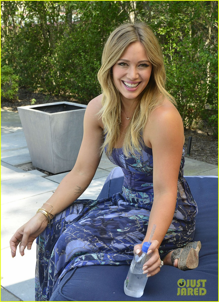 hilary duff fiji water days of summer host 122913751