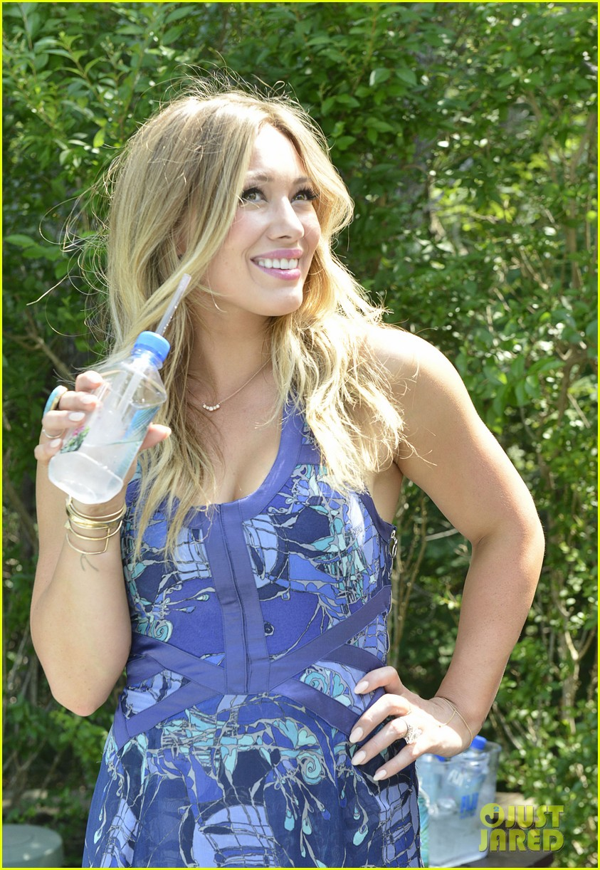 hilary duff fiji water days of summer host 192913758