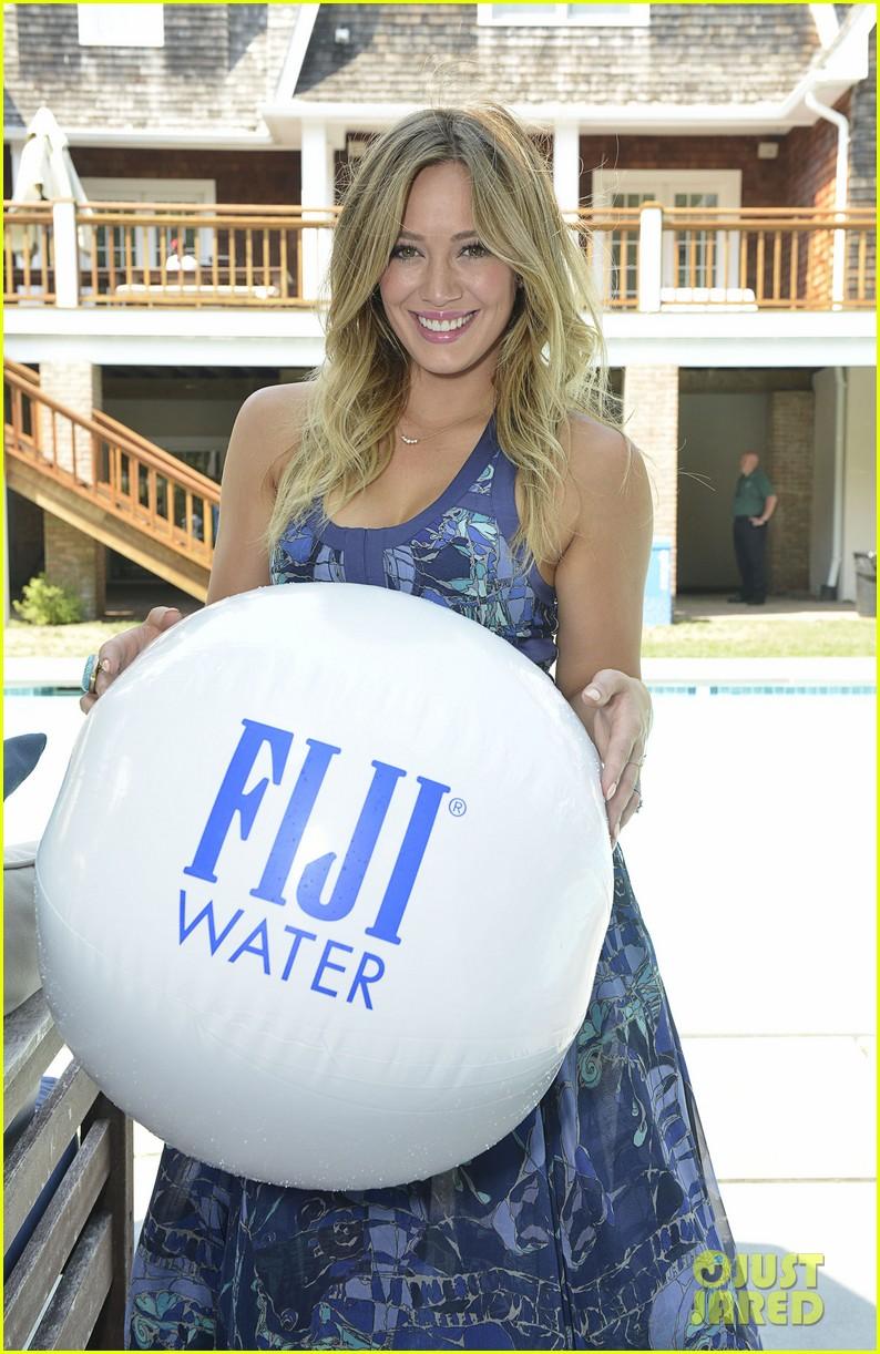 hilary duff fiji water days of summer host 202913759