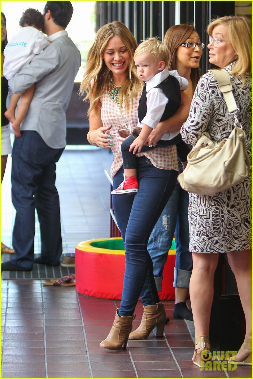 hilary duff luca graduates babies first class 152916007