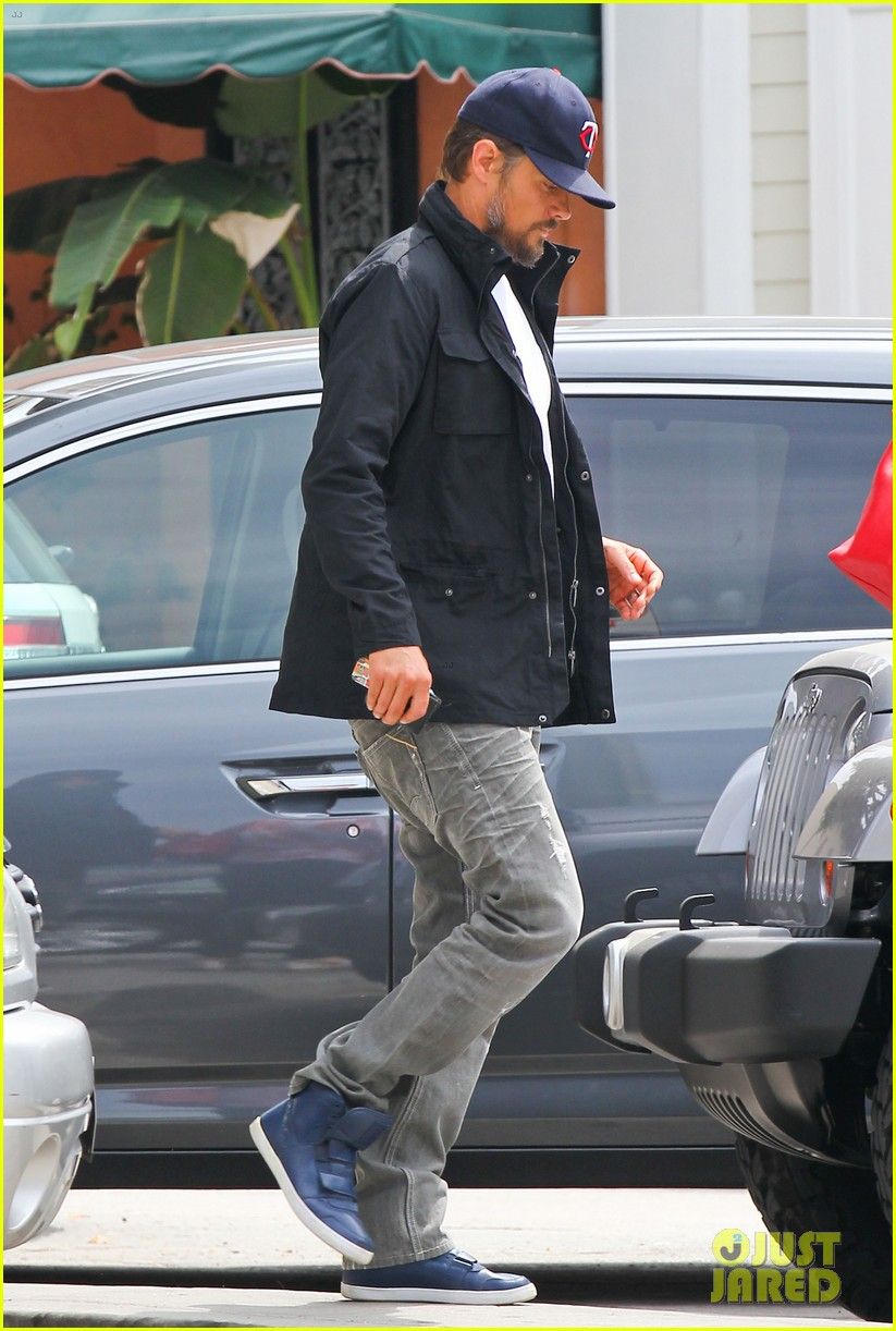 josh duhamel taking time off after baby is born 032907755