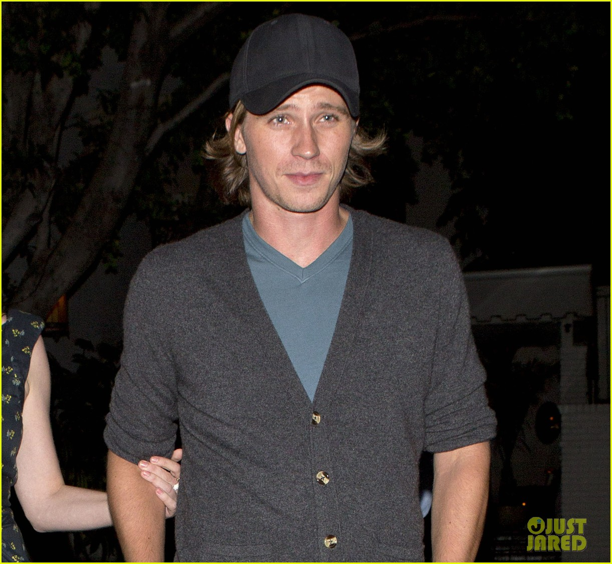 kirsten dunst garrett hedlund are a date night couple 03