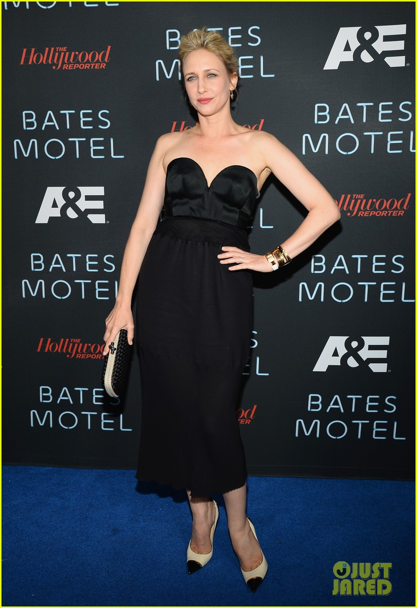 vera farmiga freddie highmore bates motel comic con party 012913577