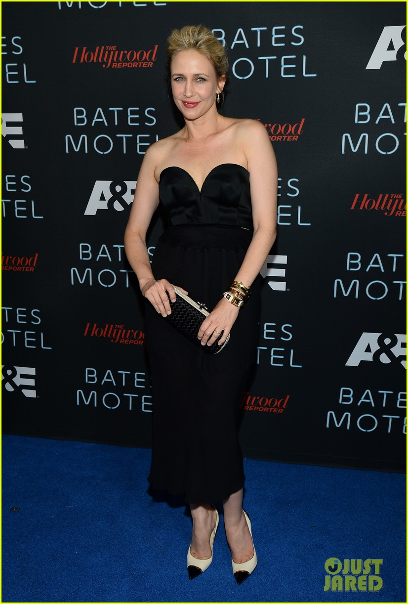 vera farmiga freddie highmore bates motel comic con party 082913584