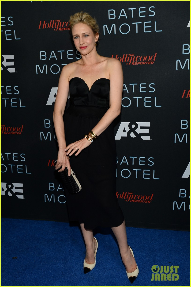 vera farmiga freddie highmore bates motel comic con party 092913585