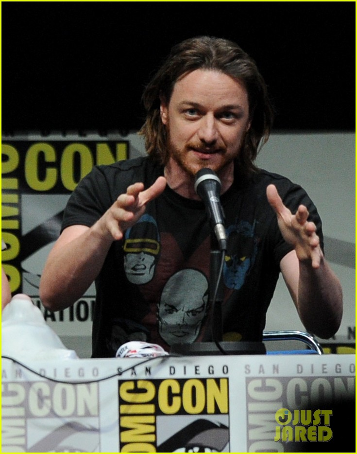 michael fassbender james mcavoy x men at comic con 122913508