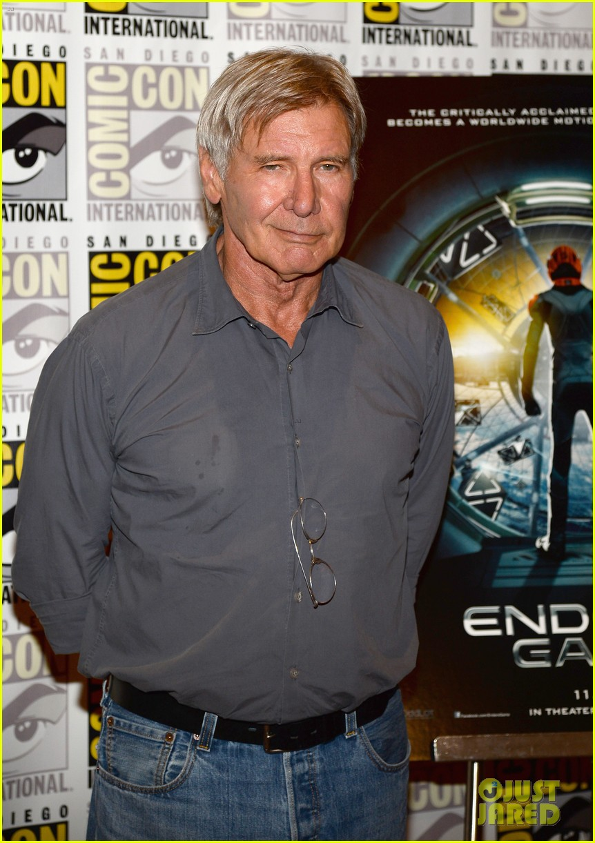 hailee steinfeld harrison ford enders game at comic con 042911663