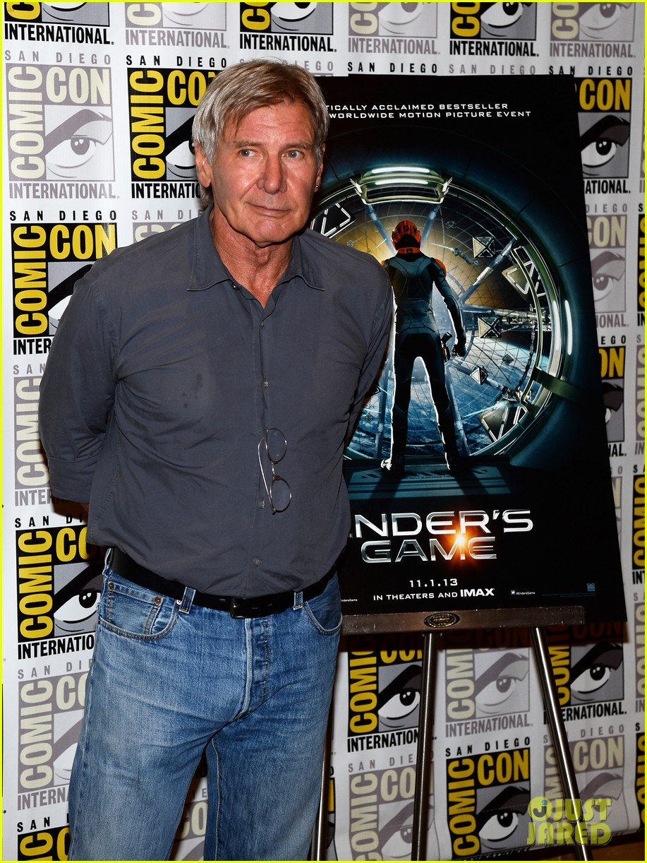 hailee steinfeld harrison ford enders game at comic con 082911667