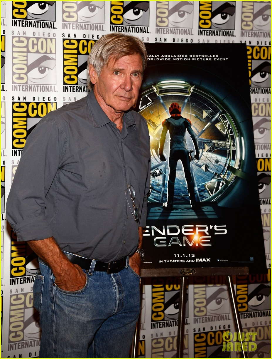 hailee steinfeld harrison ford enders game at comic con 092911668
