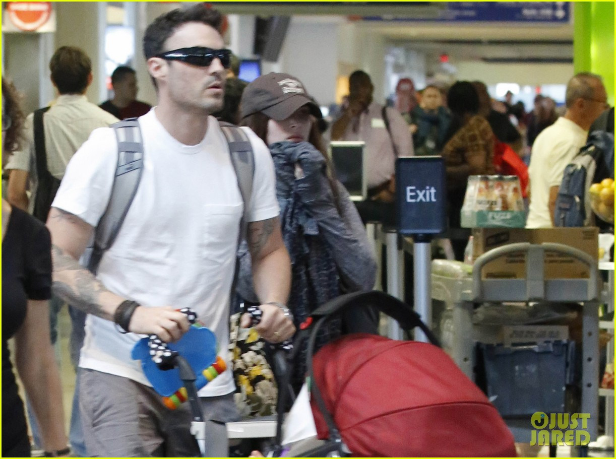 megan fox brian austin green noah family flight out of lax 032905767