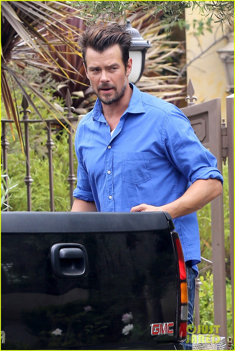 fergie josh duhamel go to church before baby shower day 25