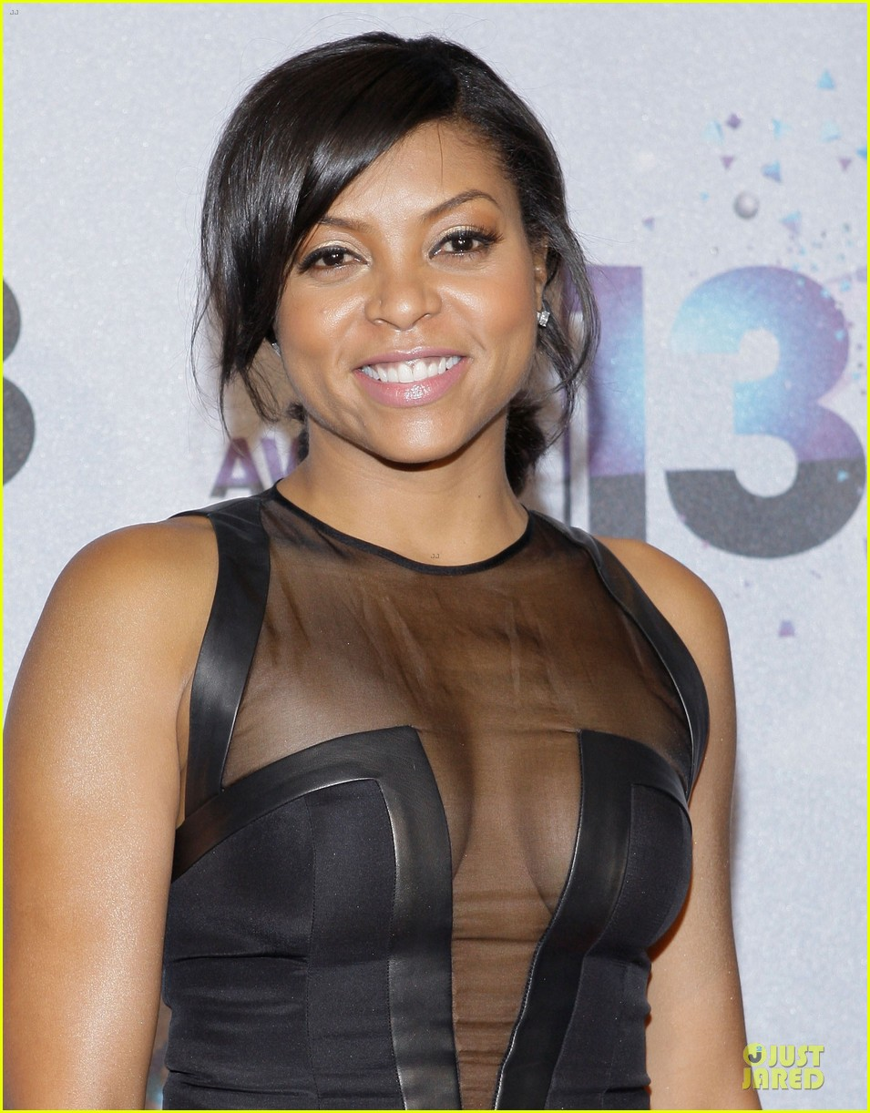 The 47-year old daughter of father Boris Henson and mother Bernice Gordon, 165 cm tall Taraji P. Henson in 2018 photo