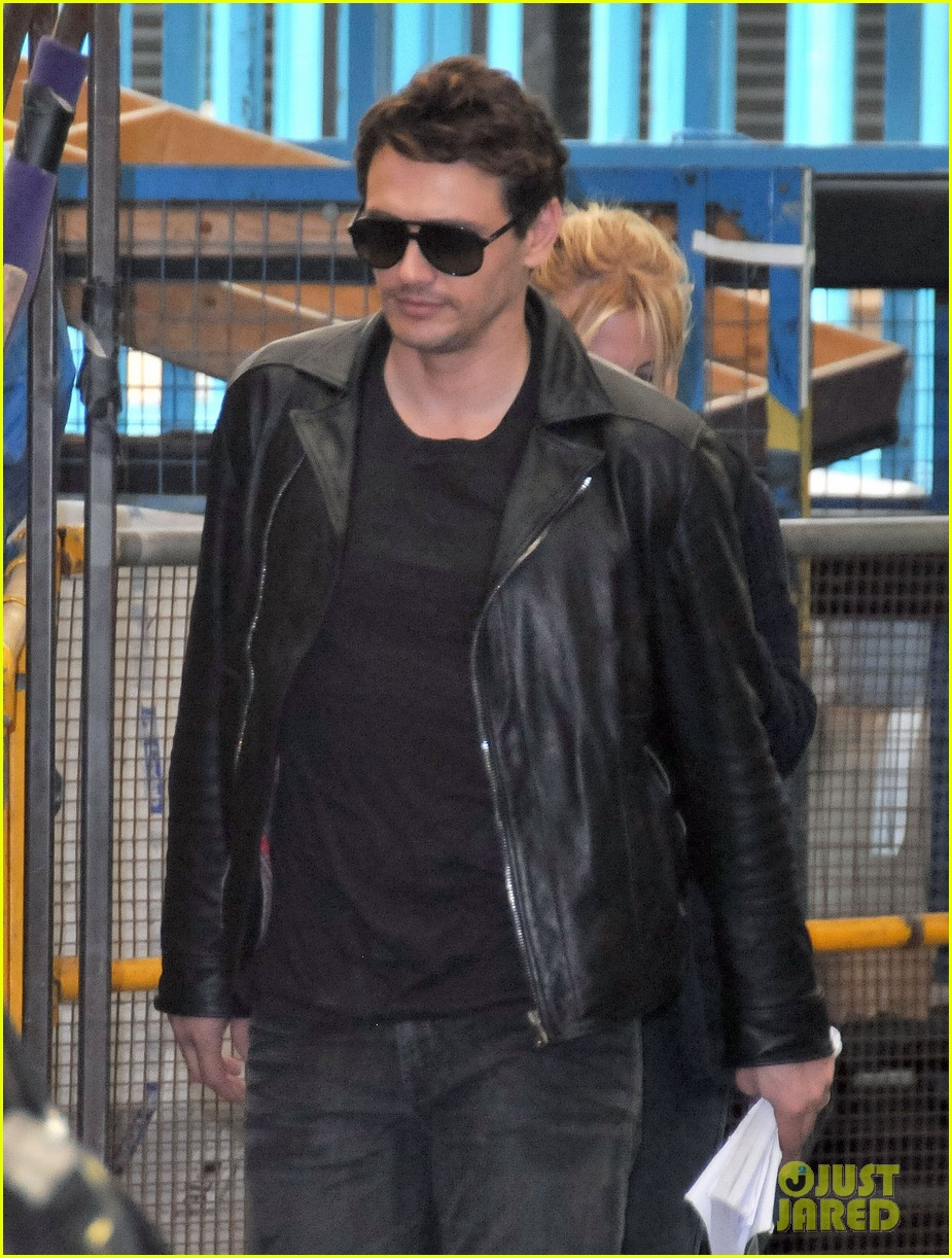 james franco shows off arms in tank top for good people 092904027