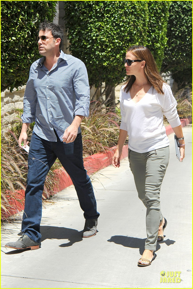 jennifer garner ben affleck lawyers office after max mara news 062910488