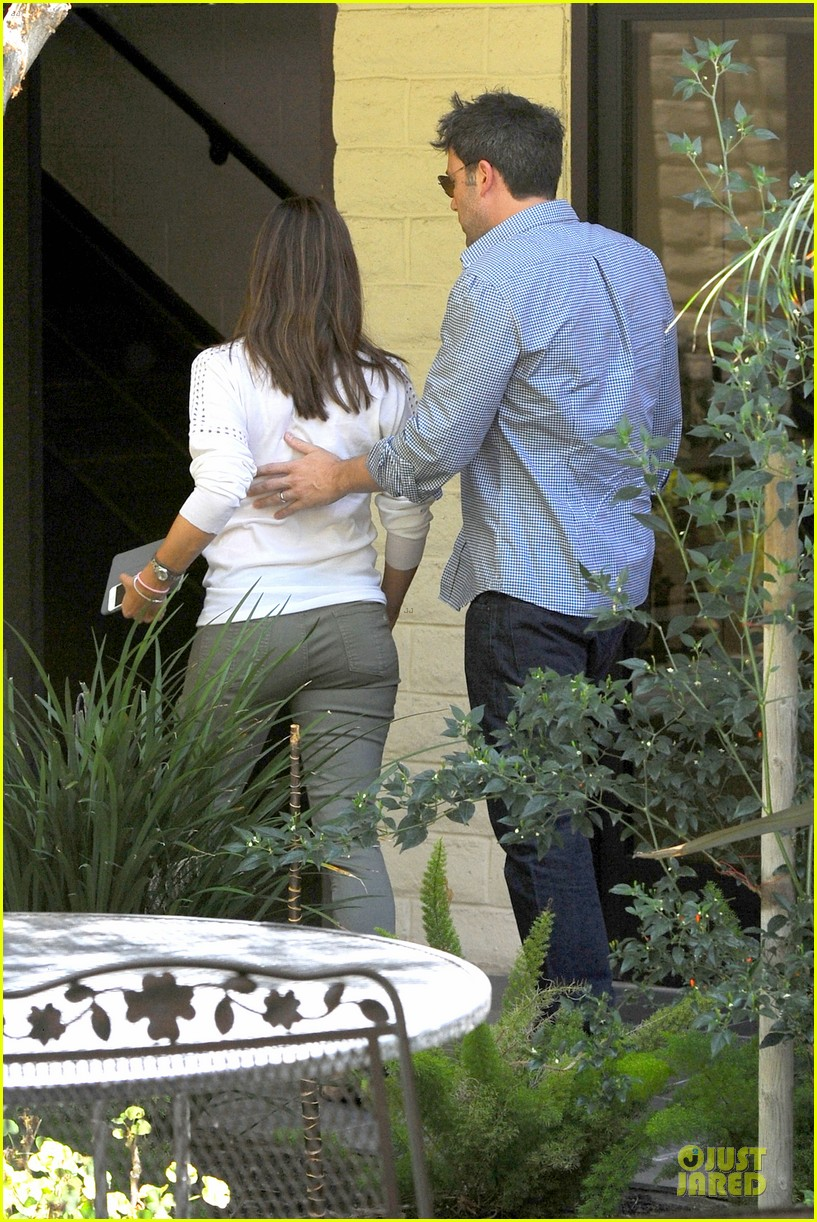 jennifer garner ben affleck lawyers office after max mara news 092910491