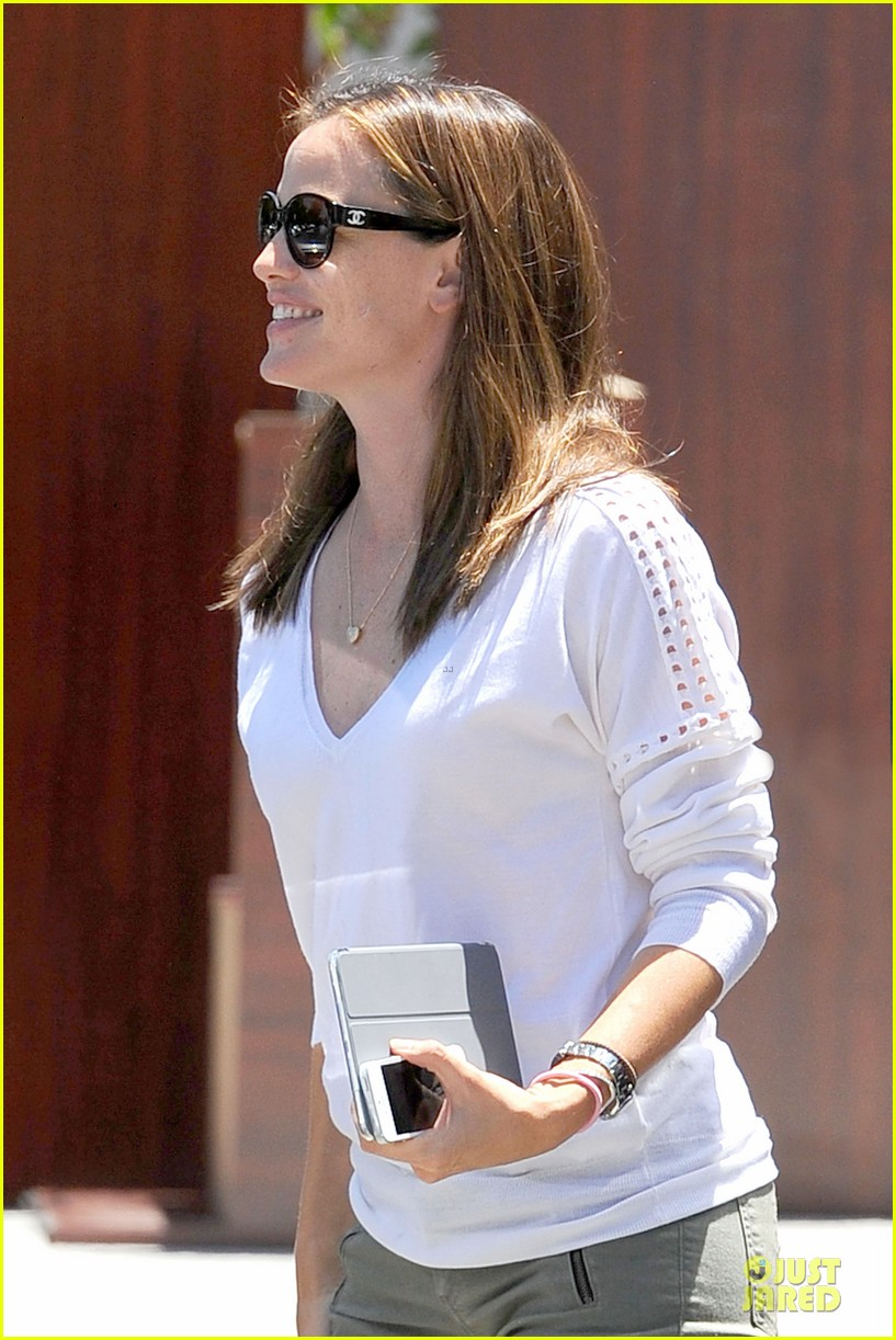 jennifer garner ben affleck lawyers office after max mara news 112910493
