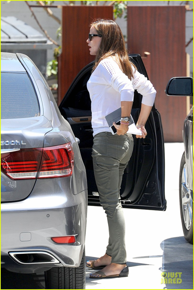 Full Sized Photo of jennifer garner ben affleck lawyers office after ...