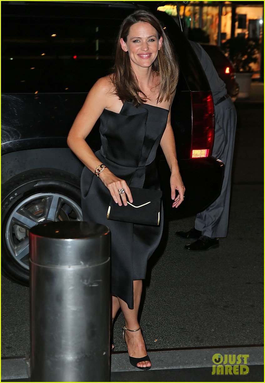 jennifer garner stuns at max mara dinner in new york 052911946