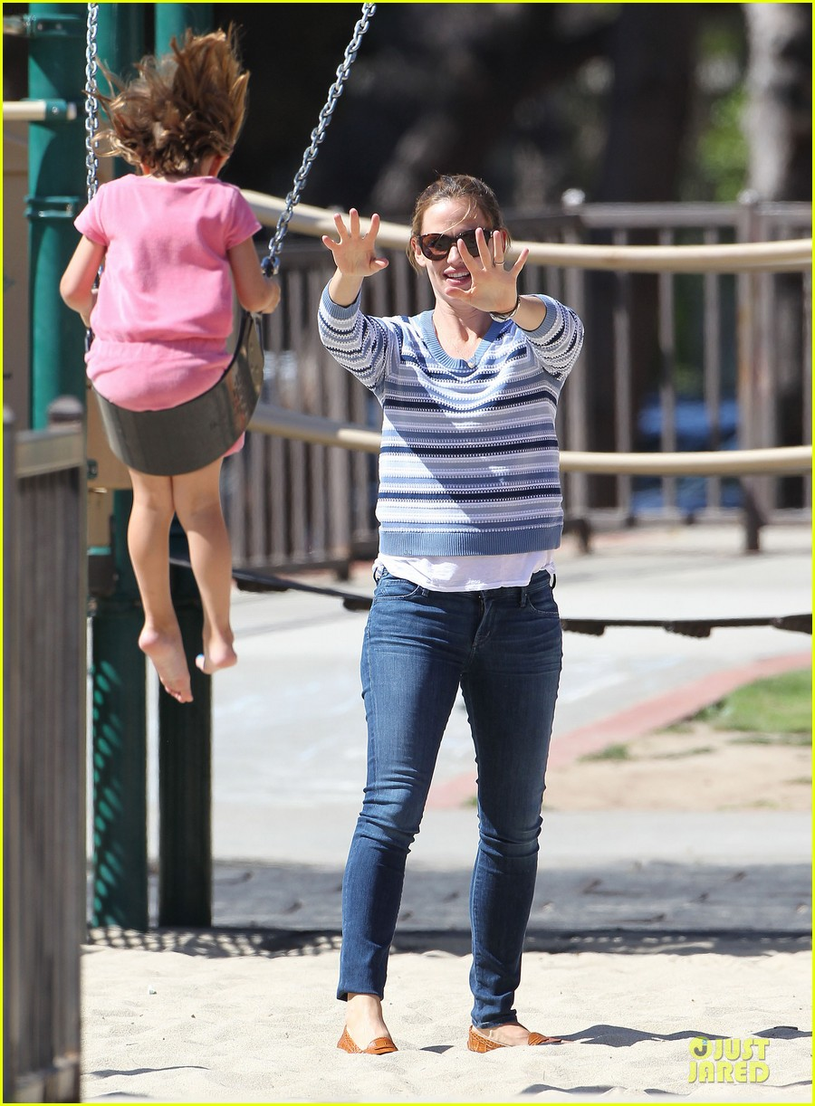 jennifer garner kids park date after jimmy kimmel wedding 142910037