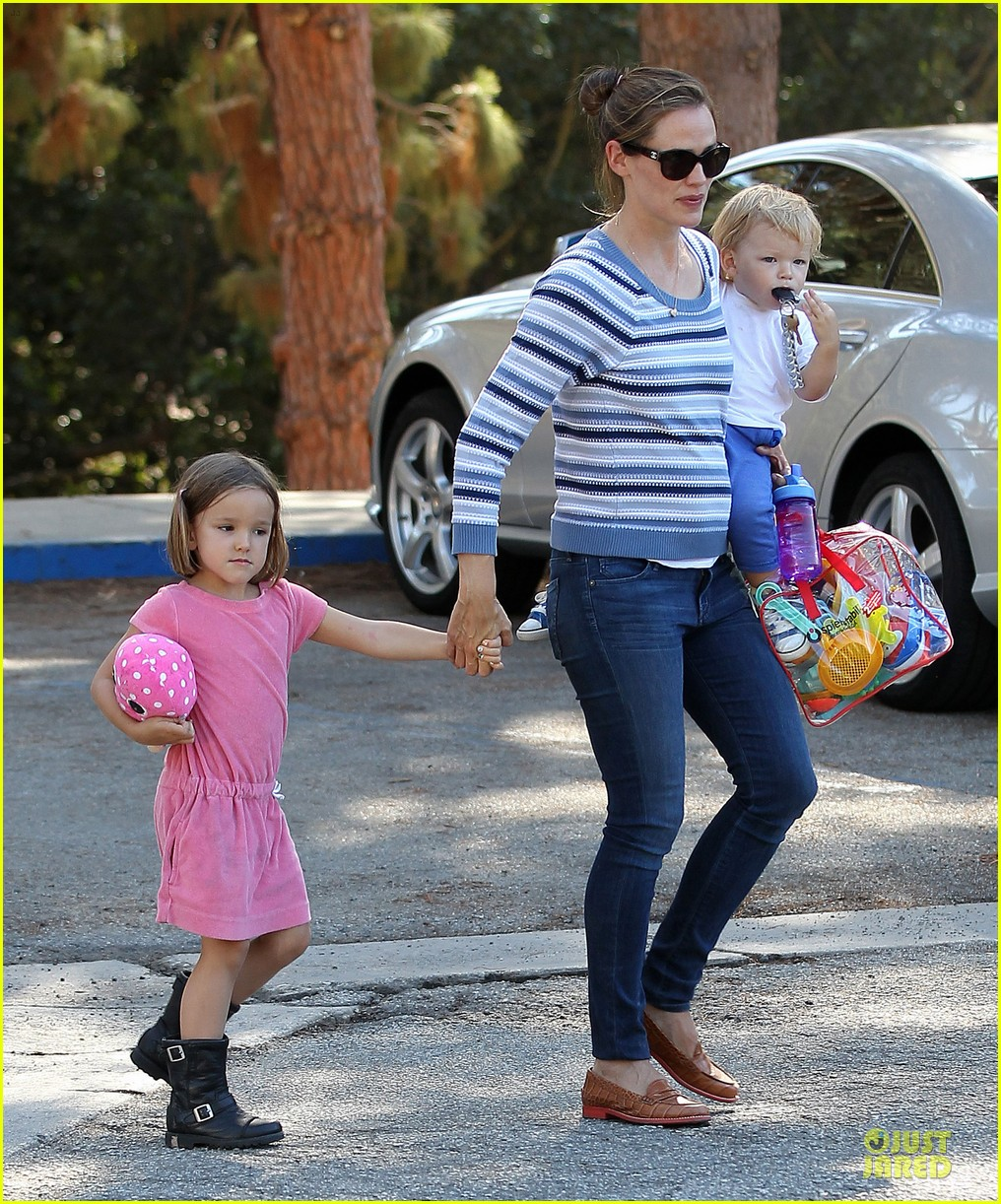 jennifer garner kids park date after jimmy kimmel wedding 232910046