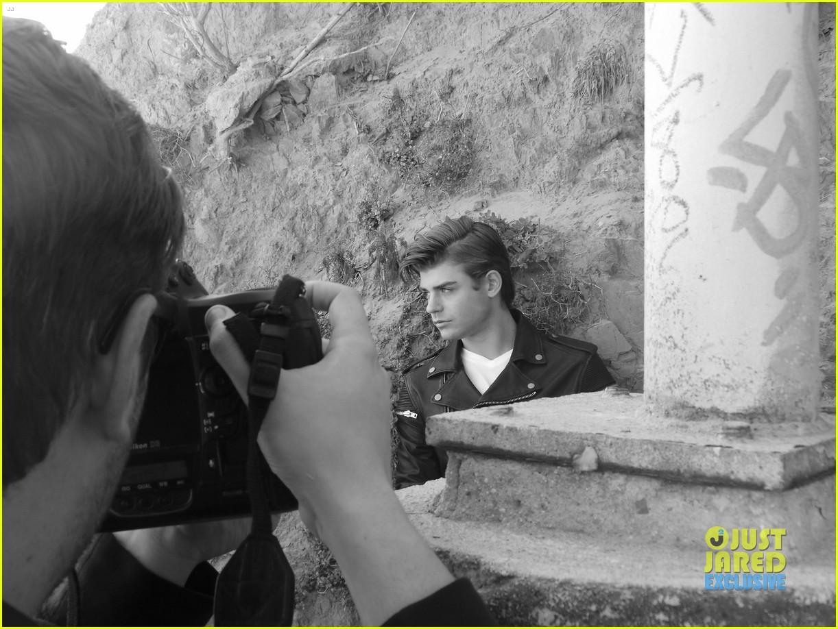 garrett clayton jj spotlight behind the scenes 052915196